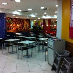 Photo taken at Burger King by Julio R. on 2/14/2012