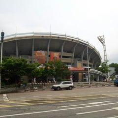 Photo taken at 사직야구장 (Sajik Baseball Stadium) by 재균 박. on 6/28/2012