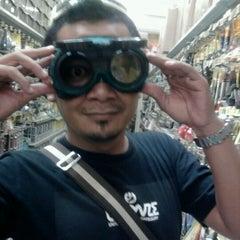 Photo taken at Ace Hardware & Index Furniture Cirebon by Zeffrie on 2/24/2012
