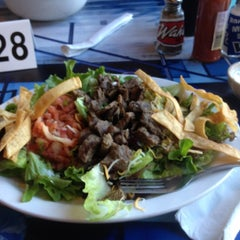 Photo taken at Wahoo's Fish Taco by Stacy S. on 5/18/2012