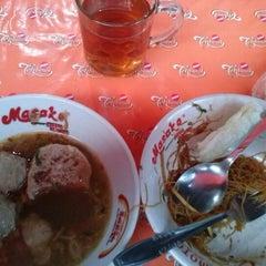 Photo taken at Baso Pak Oboy by Yopie S. on 7/15/2012
