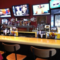 Photo taken at Buffalo Wild Wings by Earl F. on 9/3/2012