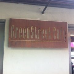 Photo taken at Greenstreet Cafe by Juan F. G. on 5/16/2012