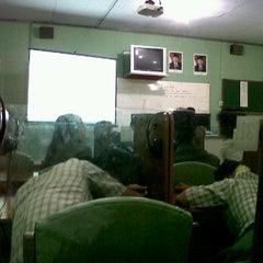 Photo taken at SMA Negeri 1 Giri by evadaa on 4/4/2012