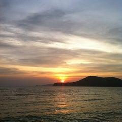 Photo taken at หาดเตยงาม (Teay Ngam Beach) by Bebillbe C. on 4/23/2012