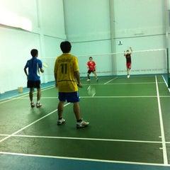 Photo taken at โรงเรียนแบดมินตัน ASK by Win T. on 5/24/2012