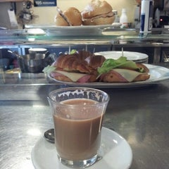 Photo taken at Cafeteria Centroelena by Fran on 8/22/2012