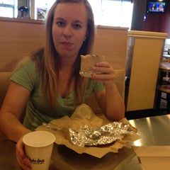Photo taken at Qdoba Mexican Grill by Gabriel G. on 7/10/2012