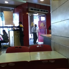 Photo taken at McDonald's by Noel S. on 3/31/2012