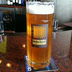Photo taken at Gordon Biersch Brewery Restaurant by Laura B. on 4/3/2012