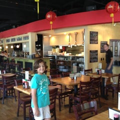 Photo taken at Doc Chey's Noodle House by Alex on 7/3/2012
