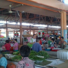 Photo taken at Pasar Air Panas by Kok Hui L. on 6/23/2012