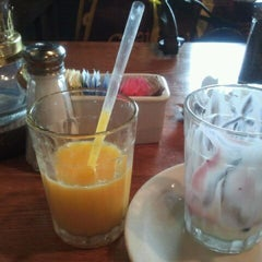Photo taken at Cracker Barrel Old Country Store by Monica S. on 2/22/2012