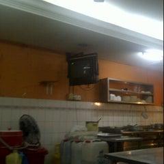 Photo taken at Restoran Nasi Ayam Malaysia by adzhar raffiei a. on 3/5/2012