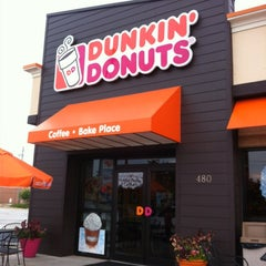 Photo taken at Dunkin' Donuts by Michele on 6/24/2012