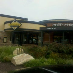 Photo taken at California Pizza Kitchen by Daniel L. on 8/4/2012