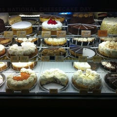 Photo taken at The Cheesecake Factory by Slink M. on 7/28/2012