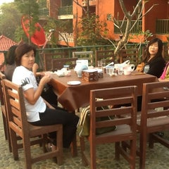 Photo taken at ภูตะวันรีสอร์ท by nipa on 3/17/2012