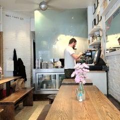 Photo taken at Ruby's Café by Francesco P. on 3/28/2012