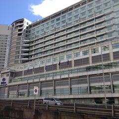 Photo taken at Hilton London Metropole Hotel by onezerohero on 8/5/2012