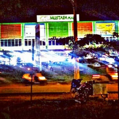 Photo taken at Mustafa Plaza by HerriAbdulkadir on 7/19/2012