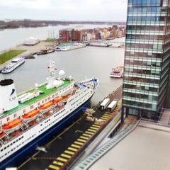 Photo taken at Mövenpick Hotel Amsterdam City Centre by Kiki on 3/31/2012