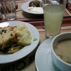 Photo taken at Greenwich Restaurant Gayrettepe by Tuğba G. on 2/3/2012