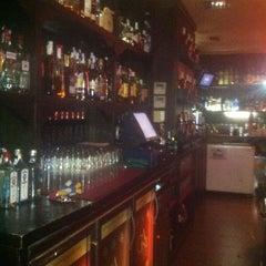Photo taken at Cafe Pub Ganivet 13 by No solo una idea on 2/21/2012