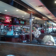 Photo taken at Silver Diner by Elicia W. on 9/3/2012