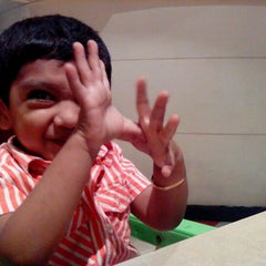 Photo taken at Pizza Hut by Anand C. on 5/17/2012