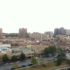 Photo taken at InterContinental Kansas City At The Plaza by Emrah M. on 8/3/2012