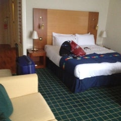 Photo taken at Park Inn by Radisson Hotel and Conference Centre London Heathrow by Scott on 9/2/2012