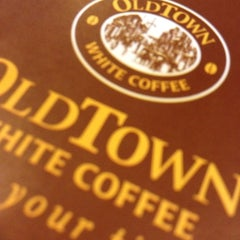 Photo taken at OldTown White Coffee by Jeff C. on 3/13/2012