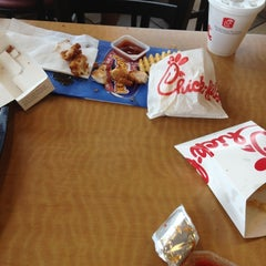 Photo taken at Chick-fil-A by Jeremiah on 4/5/2012