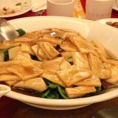 Photo taken at Bamboo Garden Restaurant by Bonnie C. on 8/6/2012
