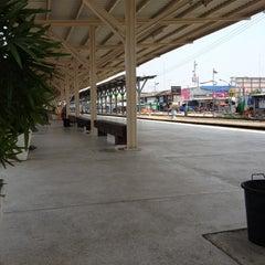 Photo taken at สถานีรถไฟศรีสะเกษ (Sisaket) SRT2273 by Karipet I. on 3/25/2012