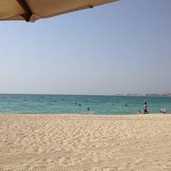 Photo taken at Hilton Dubai Jumeirah Resort by mcasaverde on 9/7/2012