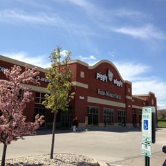 Photo taken at Piggly Wiggly by Chriss Jeremy S. on 4/22/2012