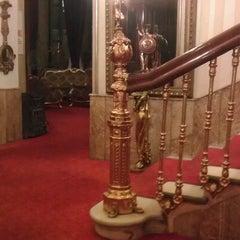 Photo taken at Büyük Londra Oteli by Gizem T. on 6/28/2012