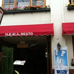 Photo taken at H.E.M.A. Dutch Resto by Tania L. on 4/22/2012