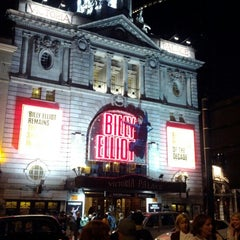 Photo taken at Victoria Palace Theatre by Cassiano M. on 7/6/2012