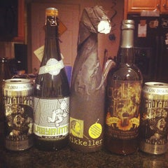 Photo taken at Beer Heaven by Stephen L. on 5/5/2012