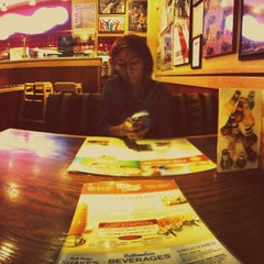 Photo taken at Red Robin Gourmet Burgers by Travis W. on 7/7/2012