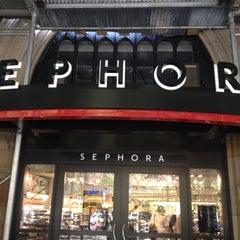 Photo taken at Sephora by ✨Mindi S. on 8/25/2012