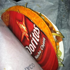 Photo taken at Taco Bell by Lindsey P. on 3/23/2012