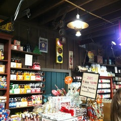 Photo taken at Cracker Barrel Old Country Store by Matthew S. on 5/28/2012