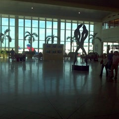 Photo taken at Southwest Florida International Airport (RSW) by Carl K. on 2/20/2012