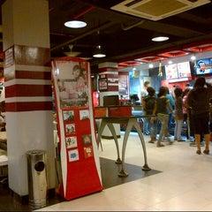 Photo taken at KFC / KFC Coffee by MICHAEL Y. on 7/23/2012