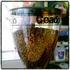 Photo taken at NANA COFFEE @ เมืองทองธานี C4 by NuenG_NaJaaa on 6/11/2012