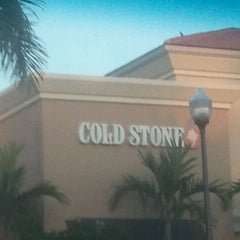 Photo taken at Cold Stone Creamery by Deejay on 4/8/2012